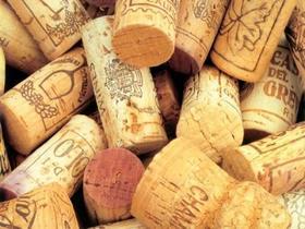 红酒的软木塞是怎样被塞进去的